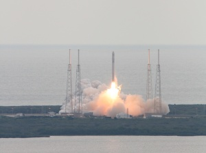March 1, 2013 launch of Falcon 9 SpaceX CRS-2 from the VAB roof, Cape Canaveral, Florida. Credit: Ken Kremer