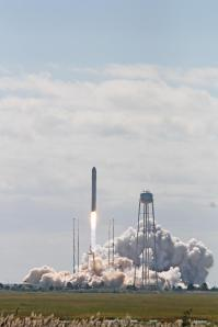 Antares Lifts Off with Cygnus to Resupply the ISS from Wallops. Credit: Ken Kremer