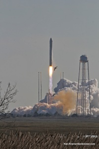 Birds take flight as Antares lifts off with Cygnus Jan. 9, 2014. Credit: Ken Kremer