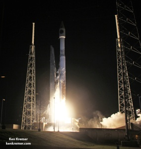A United Launch Alliance Atlas V rocket with NASA's Magnetospheric Multiscale (MMS) spacecraft launches from Cape Canaveral Air Force Station, Space Launch Complex 41, on Mar. 12, 2015, Florida.  Credit: Ken Kremer- kenkremer.com