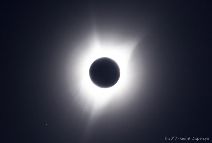 Eclipse Oregon 2017, Mercury and Mars. Credit: AAAP member Gerrit Dispersyn